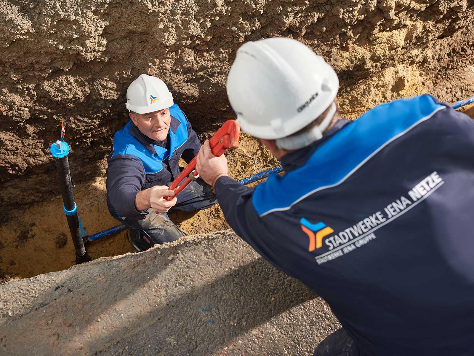 Gut versorgt auf Ihre Baustelle: Wie Sie einen Bauwasseranschluss erhalten, erfahren Sie hier.